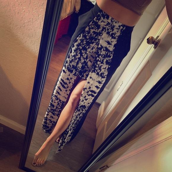 BCBGMaxAzria Dresses & Skirts - BCBGMaxazria Maxi Dress